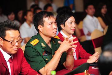 Hoàng Xuân Vinh dùng tiền thưởng gây quỹ từ thiện
