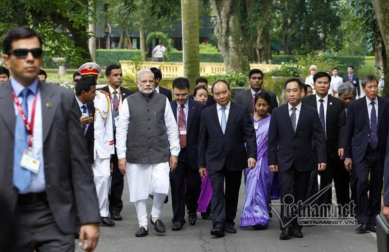 Thủ tướng Ấn Độ: Thăm nhà sàn Bác Hồ như được đến thánh địa