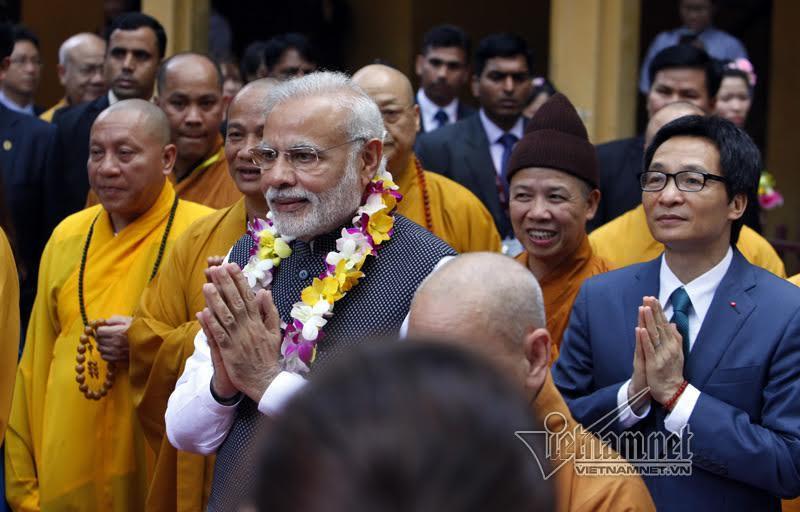 Thủ tướng Ấn mời tăng ni Việt thiền dưới cây Bồ Đề