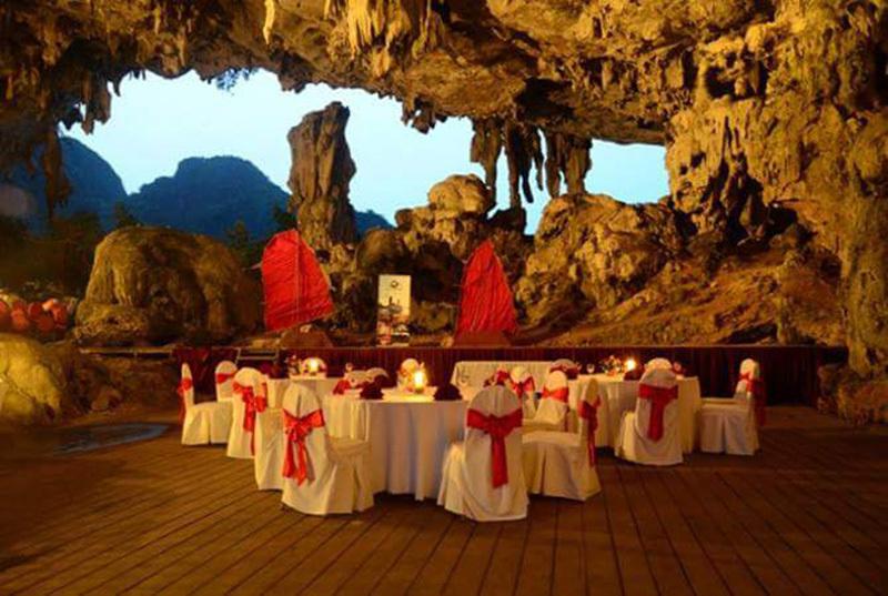 Quảng Ninh, vịnh Hạ Long, dạ tiệc hang động