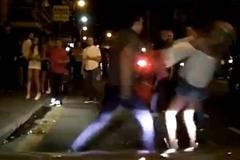 10 clip 'nóng': Hotgirl bị đấm gục vì chọc tức đối thủ bạn trai
