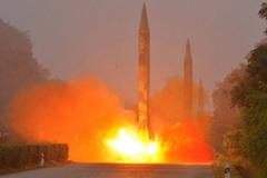 Triều Tiên bất ngờ phóng 3 lên lửa đạn đạo