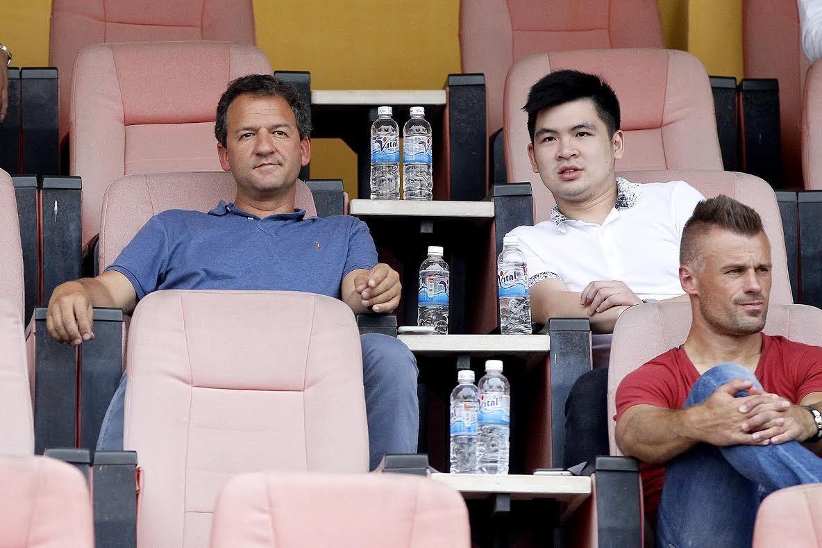 Manchester City, bầu Hiển, HN.T&T, cầu thủ nhí du học