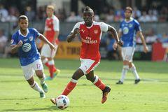Tiền đạo Arsenal công khai chỉ trích HLV Wenger