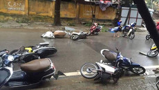 Kinh nghiệm đi xe máy an toàn trong mưa bão