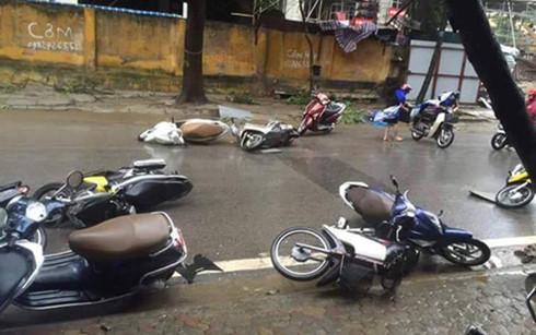 Kinh nghiệm, đi xe máy, an toàn, mưa bão, ô tô, xe máy, lái xe, tài xế, mưa ngập, đường ngập