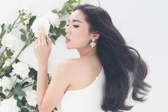 Hoa hậu Kỳ Duyên tung ảnh mới sau thời gian ở ẩn
