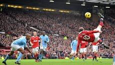 10 pha làm bàn đẹp nhất trong lịch sử derby Manchester
