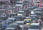 Vì sao ô tô dàn hàng ngang 5-6 trên đường Hà Nội?