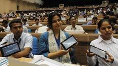 Ấn Độ: Phát miễn phí smartphone cho cử tri
