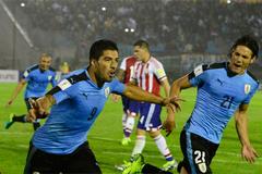 Suarez lập cú đúp, Uruguay chiếm ngôi đầu của Argentina