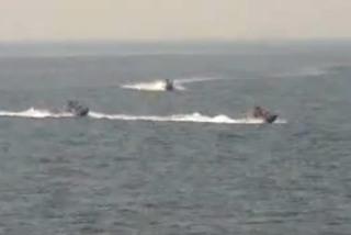 Vì sao Iran quyết 'quấy rối' tàu chiến Mỹ?