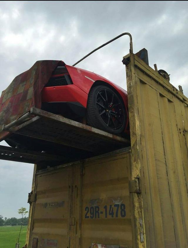 xe nâng, xe siêu sang, xe Bentley, Lamborghini, vận chuyển siêu xe, Việt Nam, ô tô, sưu tập, tài xế, tai nạn
