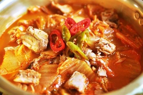 kim chi chua làm món gì | Món Miền Trung