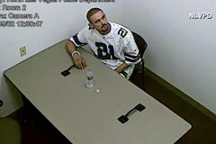 Video nghi phạm bẻ còng, đào tẩu giữa đồn cảnh sát