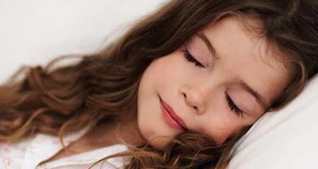 Hãy xem để biết tư thế ngủ yêu thích của bạn tiết lộ điều gì