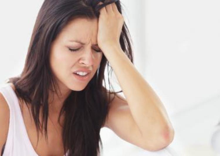 Phụ nữ đau nửa đầu: Dè chừng tim mạch