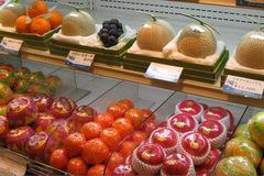 Mỹ - Úc xưa rồi, dân sành phải ăn hoa quả Nhật - Hàn