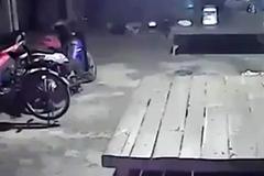 'Người vô hình' trong đoạn clip ma quái lan truyền chóng mặt
