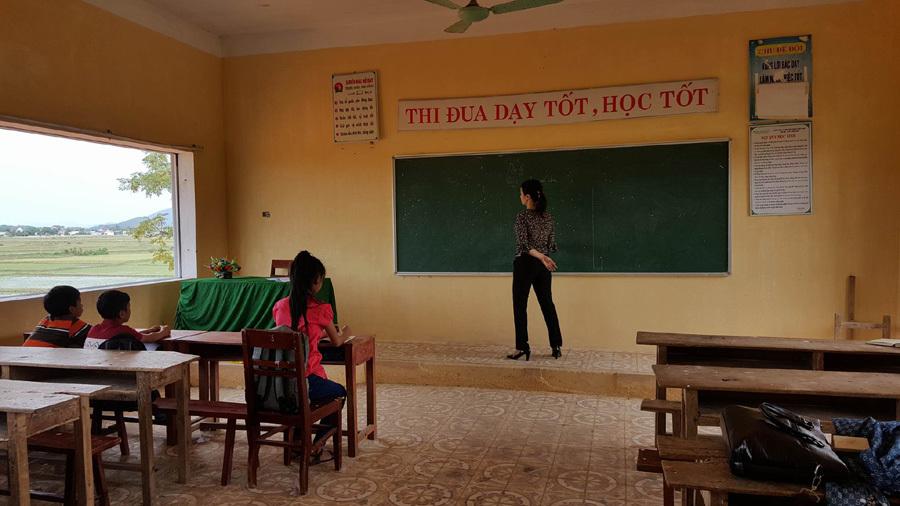Gần 700 học sinh Kỳ Hà trở lại trường sau hai tuần nghỉ