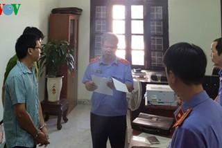 Bắt khẩn cấp một kiểm sát viên ở Khánh Hòa