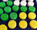 Thận trọng với bánh trung thu handmade 'tắm' phẩm màu hoá chất