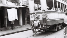 Chùm ảnh Hà Nội xưa của nghệ sĩ nhiếp ảnh gần 100 tuổi