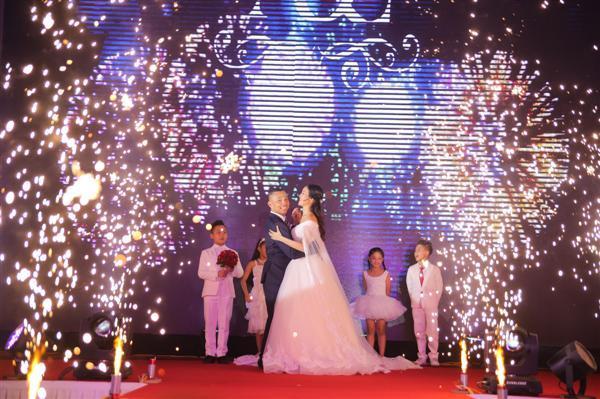 Điều đặc biệt trong đám cưới của Chí Anh