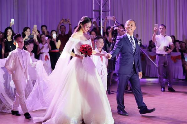 đám cưới, Chí Anh,