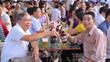 Du khách thành Tuyên nườm nượp dự Ngày hội Bia Hà Nội