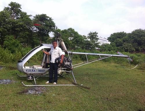 Máy bay, tự chế, 'hai lúa', Bình Dương, cấm bay, ngừng bay, made in Vietnam, Bùi Hiển, nông dân,