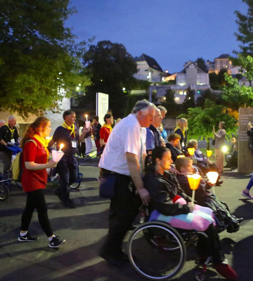 Lourdes (Pháp): Từ ngôi làng hoang sơ đến thánh đường du lịch