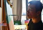 Tài vẽ tranh bằng miệng của họa sĩ 9x khuyết tật tay chân