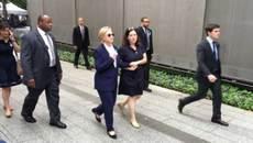 Cô gái bí ẩn luôn đi sát Hillary