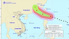 Siêu bão giật cấp 17 xuất hiện gần biển Đông