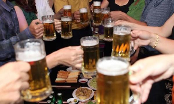 bệnh không lây nhiễm, ung thư, ăn ít rau, ăn nhiều thịt, béo phì, lười vận động, uống rượu bia