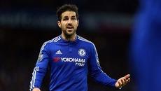 Conte tống khứ Fabregas khỏi Chelsea