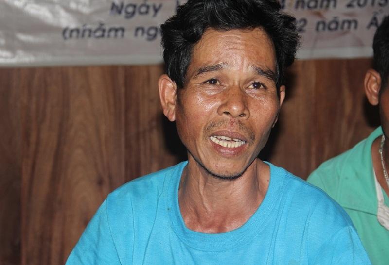 Vỡ ống thủy điện: Phút thoát chết của vợ chồng nghèo