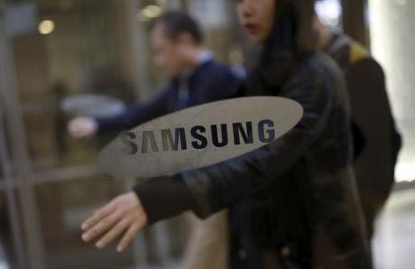Samsung, Sharp, Foxconn, thoái vốn