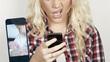 Thiếu nữ kiện bố mẹ vì đăng 500 ảnh thời thơ ấu lên Facebook