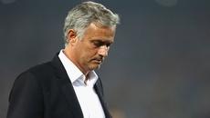 Thua nối thua, fan MU quay lưng đòi sa thải Mourinho