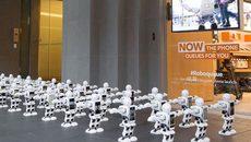 Nhà mạng huy động quân đoàn robot xếp hàng mua iPhone 7