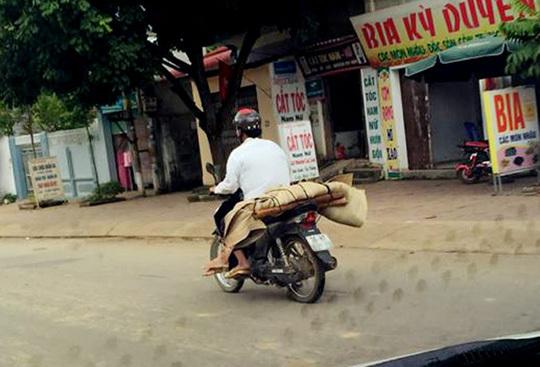 chở thi thể, bệnh viện, Sơn La, chở thi thể xe máy