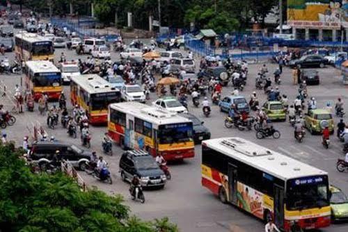 Dân Hà Nội chán đi xe buýt vì khó tiếp cận