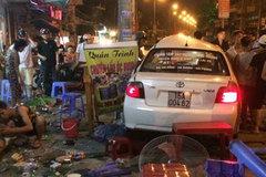 Ô tô mất lái tông vào quán nhậu, nhiều người bị thương