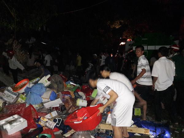 Chợ cháy rực trong đêm, hàng trăm tiểu thương khóc vật vã