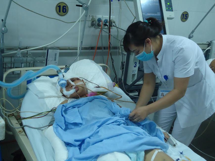 Gặp tai nạn thảm khốc, cô sinh viên nghèo đang rất cần cứu giúp