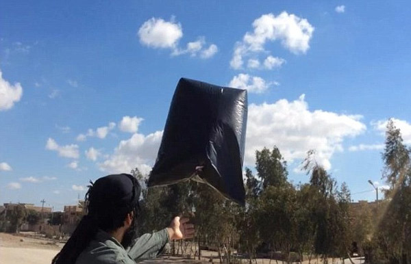 Xem IS thử mìn bay diệt chiến cơ