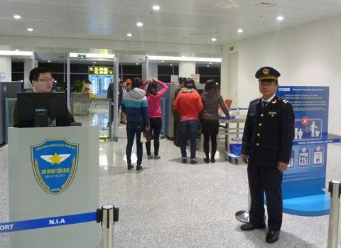 Xem tây ngẫm ta, sân bay Nội Bài, sân bay Tullamarine, Hà Nội, Úc