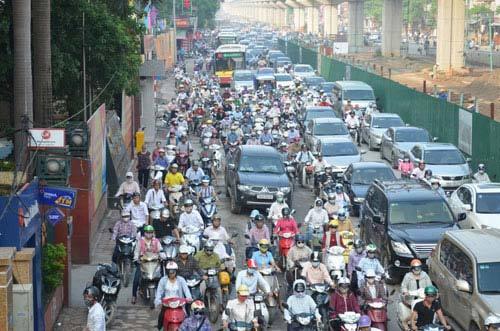 Hà Nội đề xuất cấm xe máy ngoại tỉnh vào thành phố theo giờ